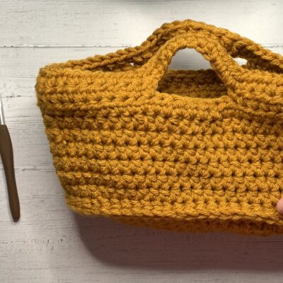 crochet basket, free crochet pattern and video tutorial www.offthehookforyou.co.uk
